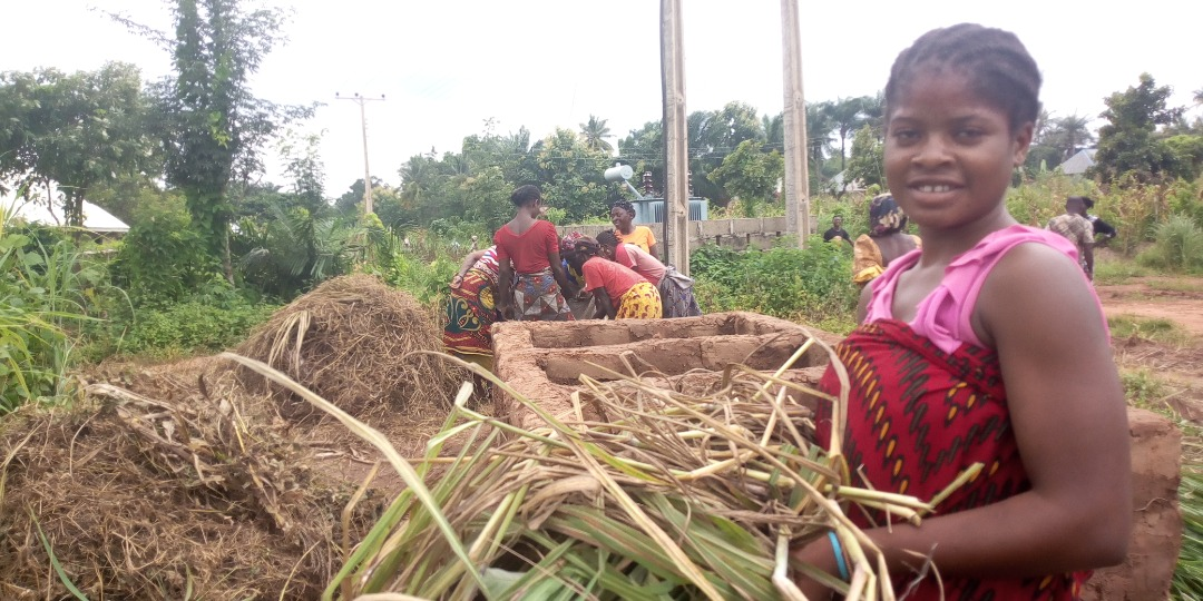 "On-farm materials, such as cattle dung, poultry litter, harvested green leaves, pre-dried leaves and mud, are layered to produce a compost ""sandwich"" within the trenches."